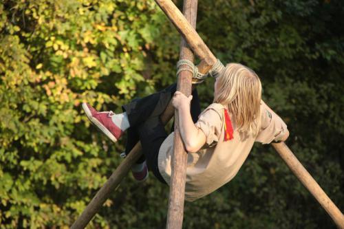 Pionieren en klimmen met de Scouts